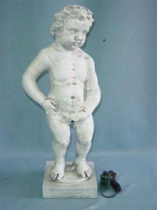 B133b.pisilős fiú